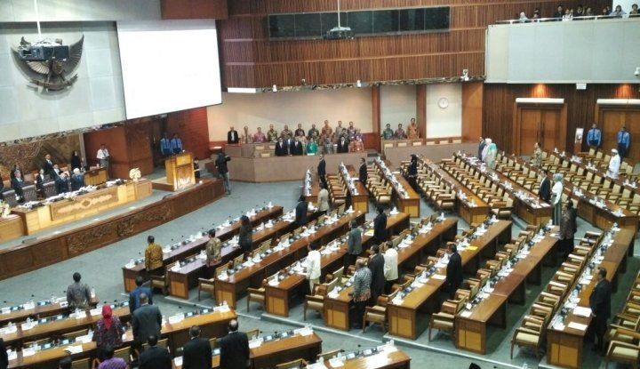 Foto Berita Jokowi Ogah Teken Revisi UU MD3, Kenapa sih Pak?