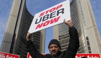 Foto Aksi Protes Supir Taksi Spanyol Terhadap Uber Terus Berlanjut