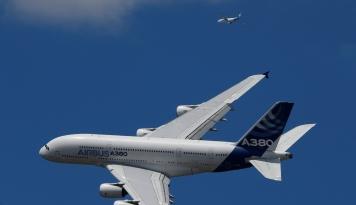 Foto Emirates Beli 36 Unit Airbus A380 Senilai USD16 Miliar