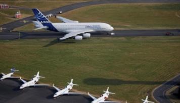 Foto Maskapai Saudi Flyadeal Pilih Jet Airbus, Buang Boeing MAX