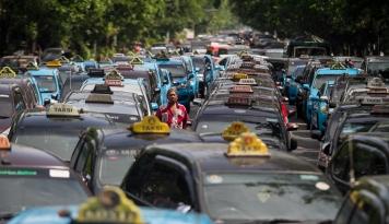 Foto Pemkot Malang Minta Kemenhub Jangan Lelet Buat Aturan Taksi Daring