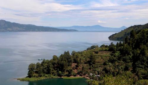 Foto Diusulkan Jadi Wisata Halal, Masyarakat Danau Toba Menolak, Kenapa?