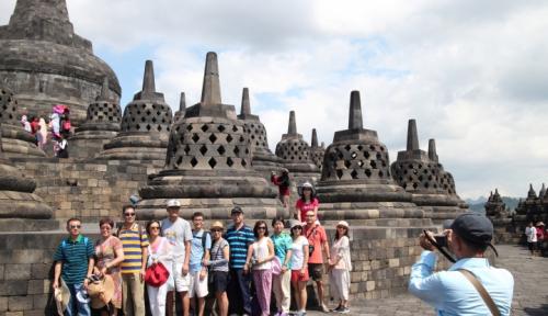 Foto 'Ratusan Kupu-Kupu' Sambut Pengunjung Borobudur