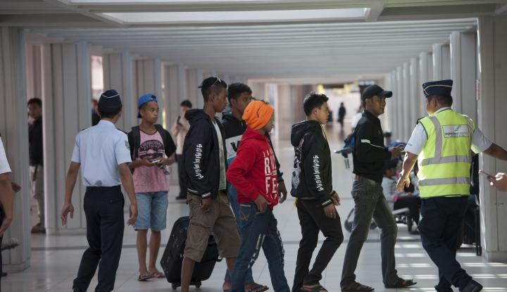 Foto Berita Benarkah Harga Tiket Pesawat Jakarta-Surabaya Rp4 Juta?