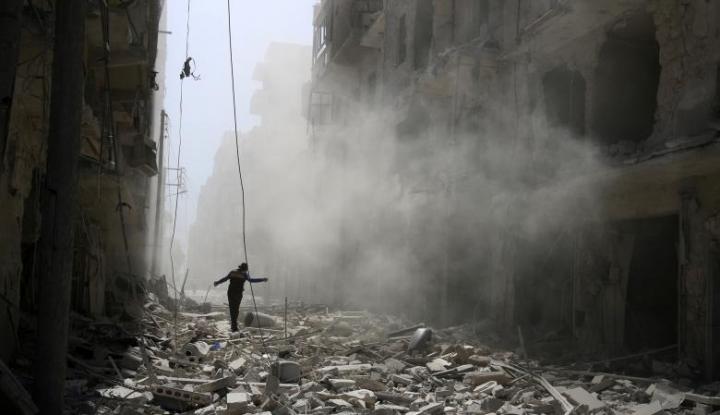 Foto Berita Serangan di Suriah Gunakan Racun Saraf Sarin