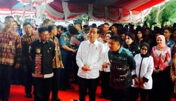 Foto 2018, Jokowi Ingin Tekan Bunga Kredit Jadi 7 Persen