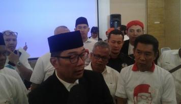 Foto Emil Tegaskan Relawan Harus Menangkan Cita-cita Warga Jabar