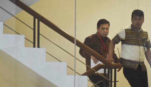 Foto Novanto Tersangka, Pansus Akan Makin Brutal Hancurkan KPK