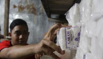 Foto Garam Langka di Madiun, Pedagang: Garam Susah di Pasaran, Kalaupun Ada Harganya Naik 100 Persen!