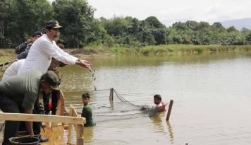 Foto KKP Berhasil Salurkan 101 Juta Benih Ikan ke 34 Provinsi