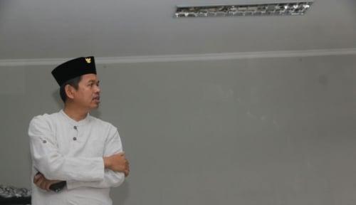 Foto Dedi Mulyadi Tampil Ala Soekarno di Peringatan HUT RI