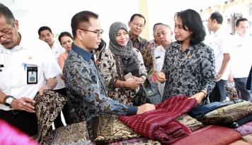 Foto Dekranas: Kabupaten Tuban Sukses Latih Para UKM