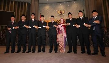 Foto Lima Aturan Baru Jadi Kado Terakhir DK OJK Periode 2012-2017