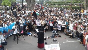Foto 10 Ribu Umat Islam Ikuti Aksi Solidaritas Palestina