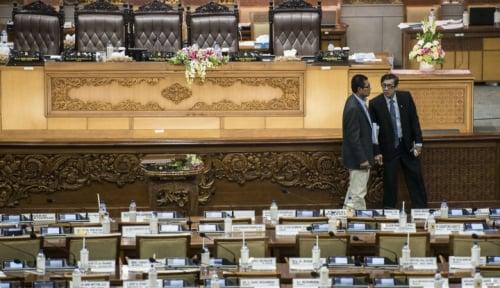 Foto KPK Tidak Hadir, Rapat Pansus Angket DPR Batal