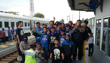 Foto Jelang Laga Panas Persib VS Persija, Daop 2 Bandung Perketat Keamanan Suporter
