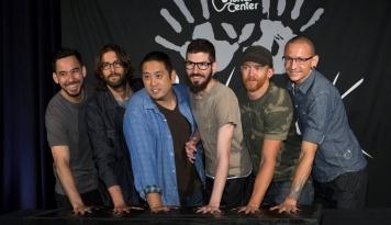 Foto Linkin Park Batalkan Tur di Amerika Utara