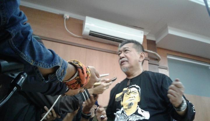 Foto Berita Hasil Survei: Deddy Mizwar Teratas, Ridwan Kamil Kalah Telak