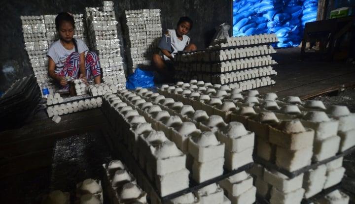 Foto Berita Daya Beli Menurun, Produsen Garam Mulai Kurangi Produksi