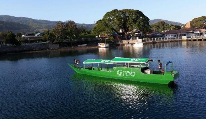 Grab Donasikan Perahu untuk Para Guru di NTT - Warta Ekonomi