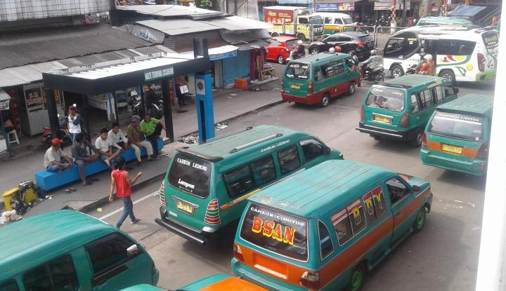 Foto Berita Sopir Angkot Ancam Mogok, Pemkot Bandung Siapkan Angkutan Gratis untuk Warga