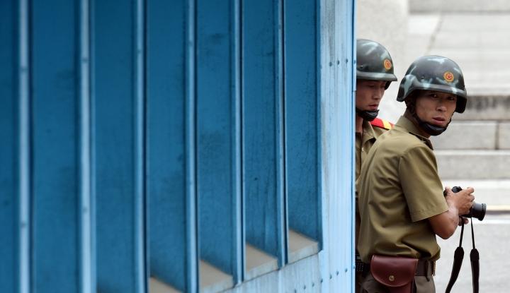 Foto Berita Gagal Cegah Aksi Pembelotan, Kim Jong-un Hukum Pasukan Perbatasannya Sendiri
