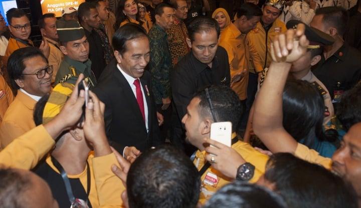 Foto Berita Bertemu di Pekanbaru, Oso Ngaku Bahas Cawapres Bareng Jokowi