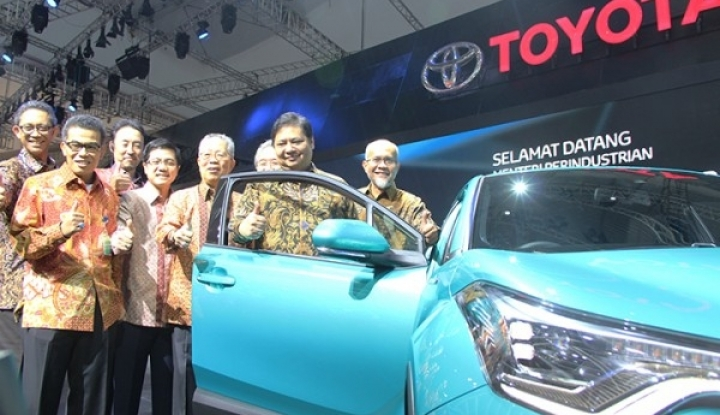 Foto Berita Sepanjang Oktober 2017, Penjualan Toyota Tumbuh 10 Persen