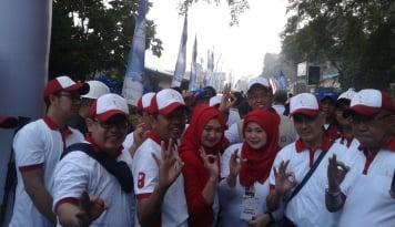Foto Ribuan Peserta Ramaikan Jalan Sehat BUMN