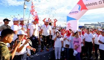 Foto Galakkan Program BUMN untuk Negeri, PNM-Askrindo Gelar Jalan Sehat di Mamuju