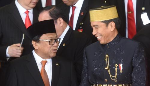 Foto Banyak Pejabat Pakai Busana Nusantara, Industri Kreatif Bergairah