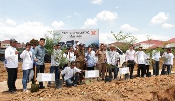 Foto Semarakkan HUT RI, Wiraland Group Tanam 1.000 Pohon di Medan