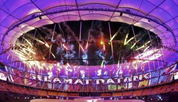 Foto Pembukaan Sea Games ke-29 Dihadiri oleh Menko PMK