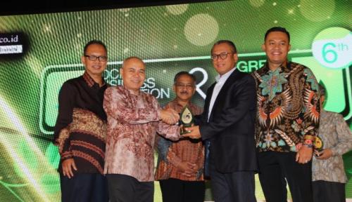 Foto Bukit Asam Raih Dua Penghargaan di SBI & Green CEO Awards 2017