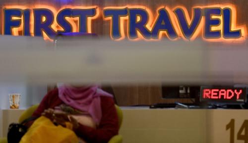 Foto Umrah Artis, Cara First Travel Jaring Para Korban