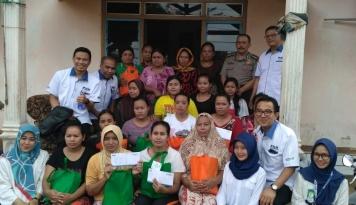 Foto Ke Madura, Bos PNM Ajak Ibu-ibu Main Kuis Tanya Jawab