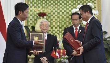 Foto Intra Asia Teken MoU Kembangkan Pelabuhan Batubara di Vietnam Senilai US$1 Miliar