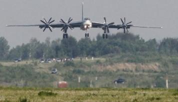 Foto Negara Ini Suguhkan Wisata Bertema Militer, Mau Coba? Lumayan Latihan buat Perang