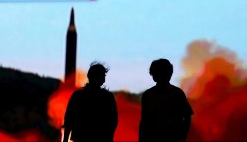 Foto Giliran Peru Depak Dubes Korea Utara