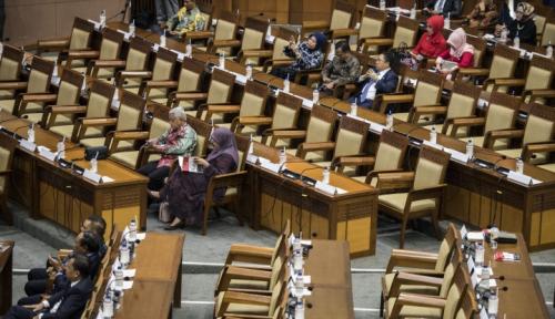 Foto DPR Sahkan Tujuh Anggota LPSK