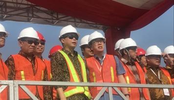 Foto Elektrifikasi NTT Masih Rendah, Jonan Janji Bakal Kejar sampai 2019