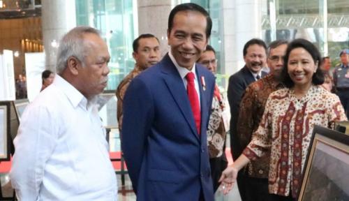 Foto Jokowi Minta Masyarakat Ikut Awasi Dana Desa
