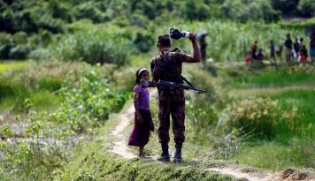 Foto Myanmar Bangun Basis Militer di Desa Etnis Rohingya