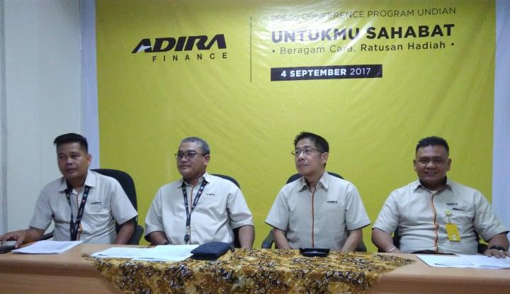 Foto Berita Akhir Tahun Ini, Adira Finance Klaim Bakal Ada Piutang Rp45,6 Triliun