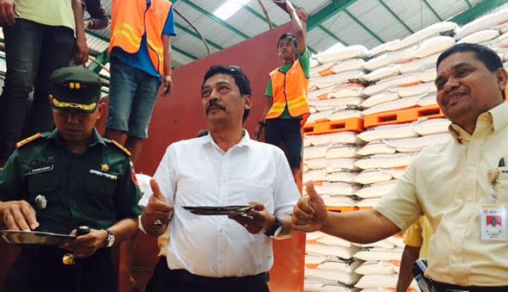 Foto Berita Bulog Sulselbar Pasok 5.000 Ton Beras Premium ke Jabar