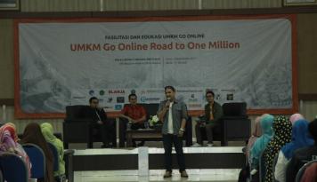 Foto Bantu UKM Go Online, Jagoan Hosting Gelar Program Pahlawan Digital