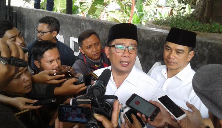 Foto Berita Survei: Ridwan Kamil Terancam Deddy Mizwar