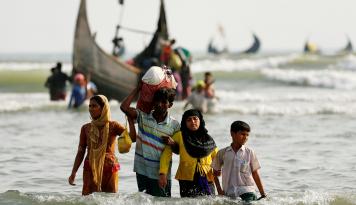 Foto Polisi: Rohingya Terdampar di Aceh Cuma Isu