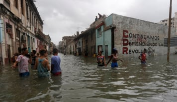 Foto Bendungan Runtuh Akibatkan Ratusan Orang Hilang