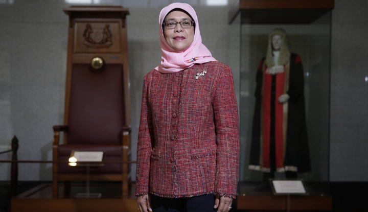 Foto Berita Halimah Yacob, Perempuan dan Melayu Pertama jadi Presiden Singapura